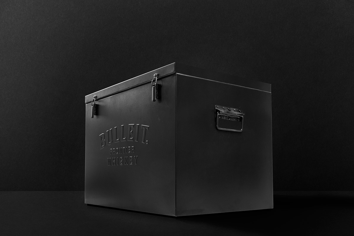 02_BULLEIT-METAL-COOLER